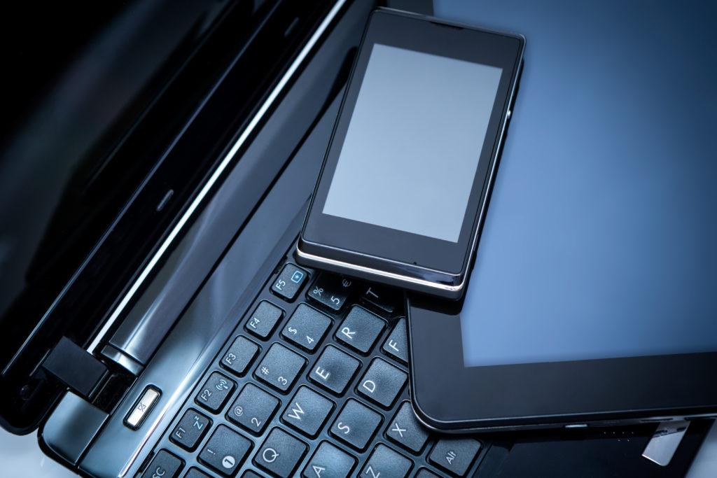 Le coût total des publicités illégales sur les appareils mobiles et en ligne devrait atteindre 44 milliards de dollars d'ici 2022