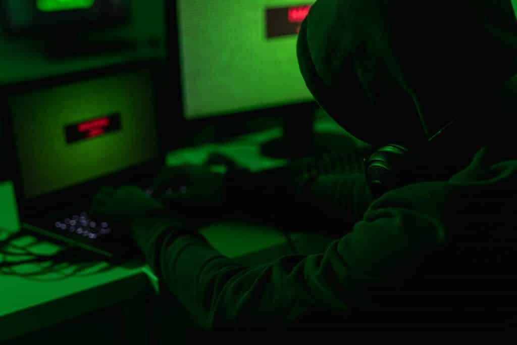 Les pirates informatiques attaquent en moyenne 2,244 fois par jour